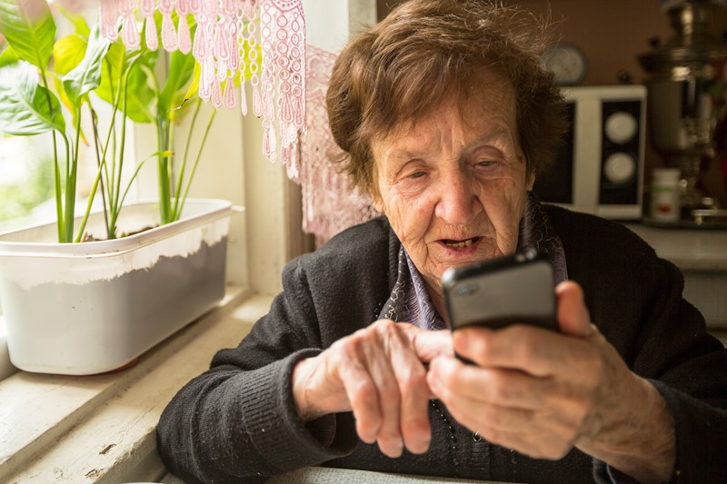New app helps young people when visiting relatives with dementia