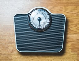 Unintentional weight loss and frailty in old age